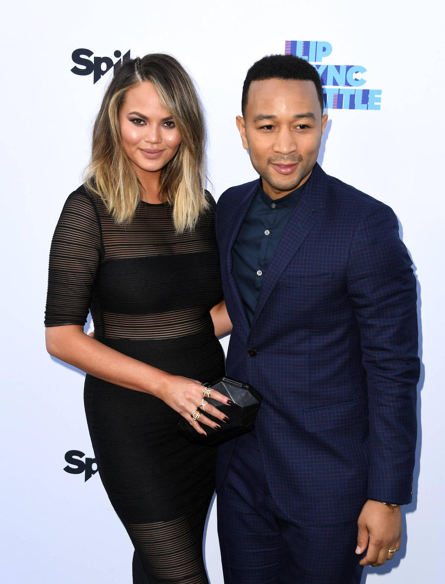 Chrissy Teigen And John Legend Return To Wedding Spot For Romantic Holiday