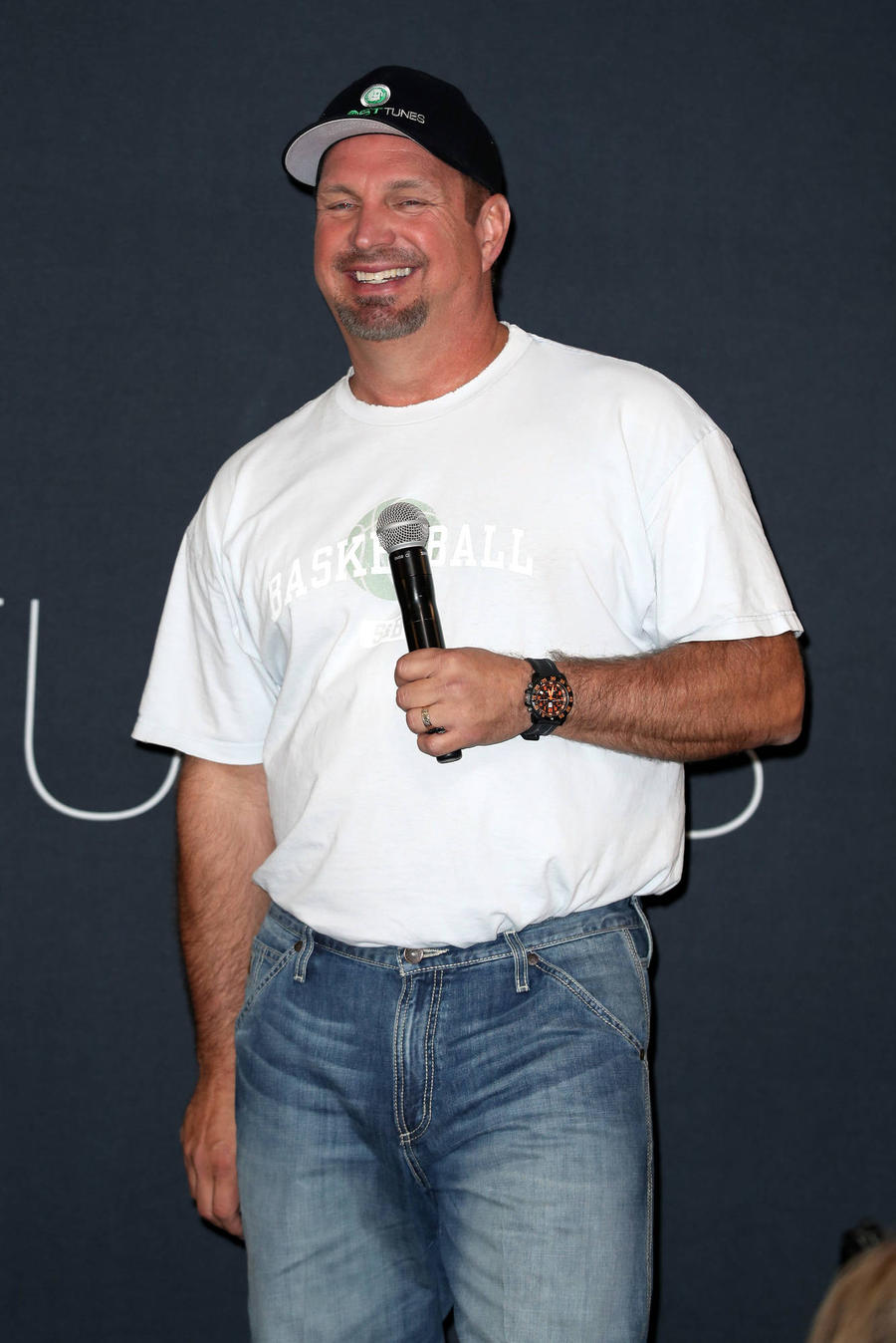 Garth Brooks Has U2'S Touring Record In His Sights