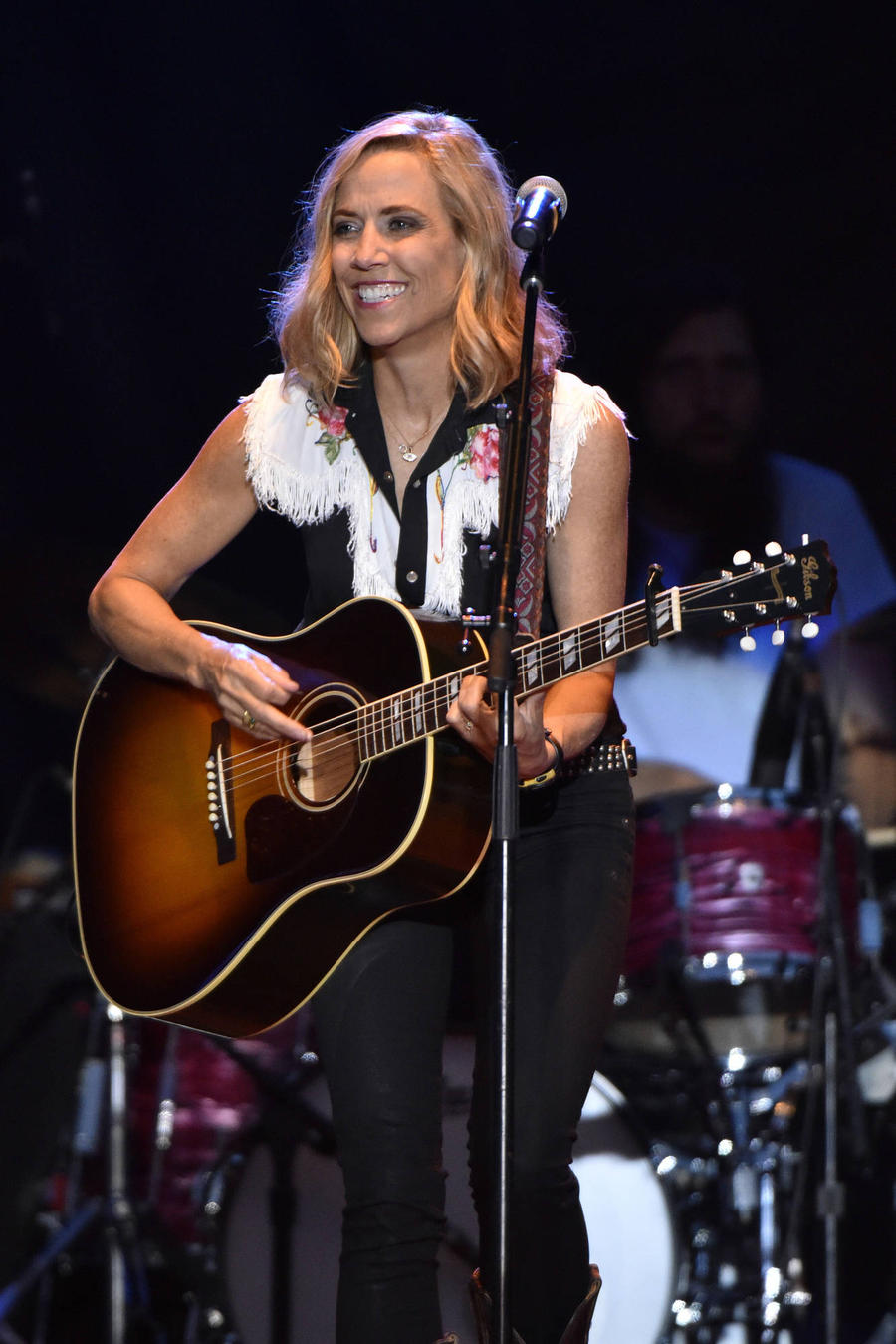 Sheryl Crow Praises Shannen Doherty For Talking About Cancer