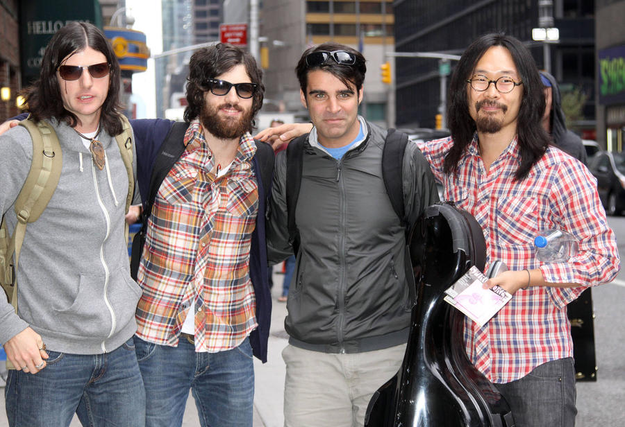 Seth Avett Bonds With Bandmates Over Fatherhood