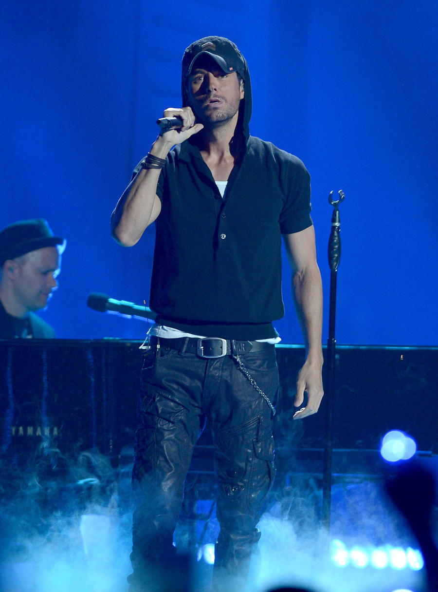 Enrique Iglesias Makes History With 14th Dance Chart Number One