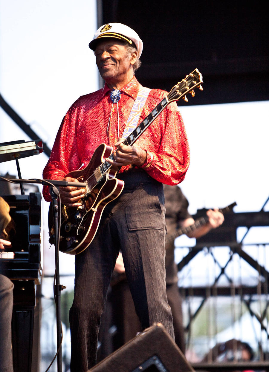 Chuck Berry Celebrates 90th Birthday With Surprise Album