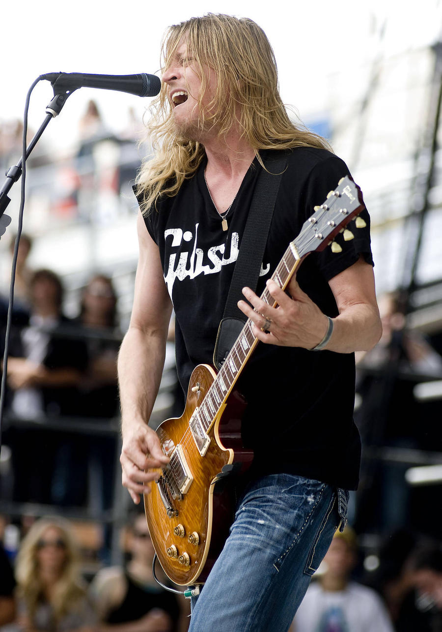 Arrest Warrant Issued For Wes Scantlin