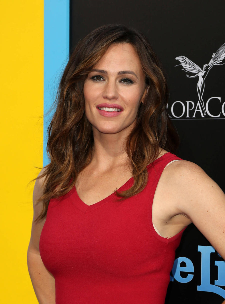 Jennifer Garner Helps Students Register To Vote In Nevada