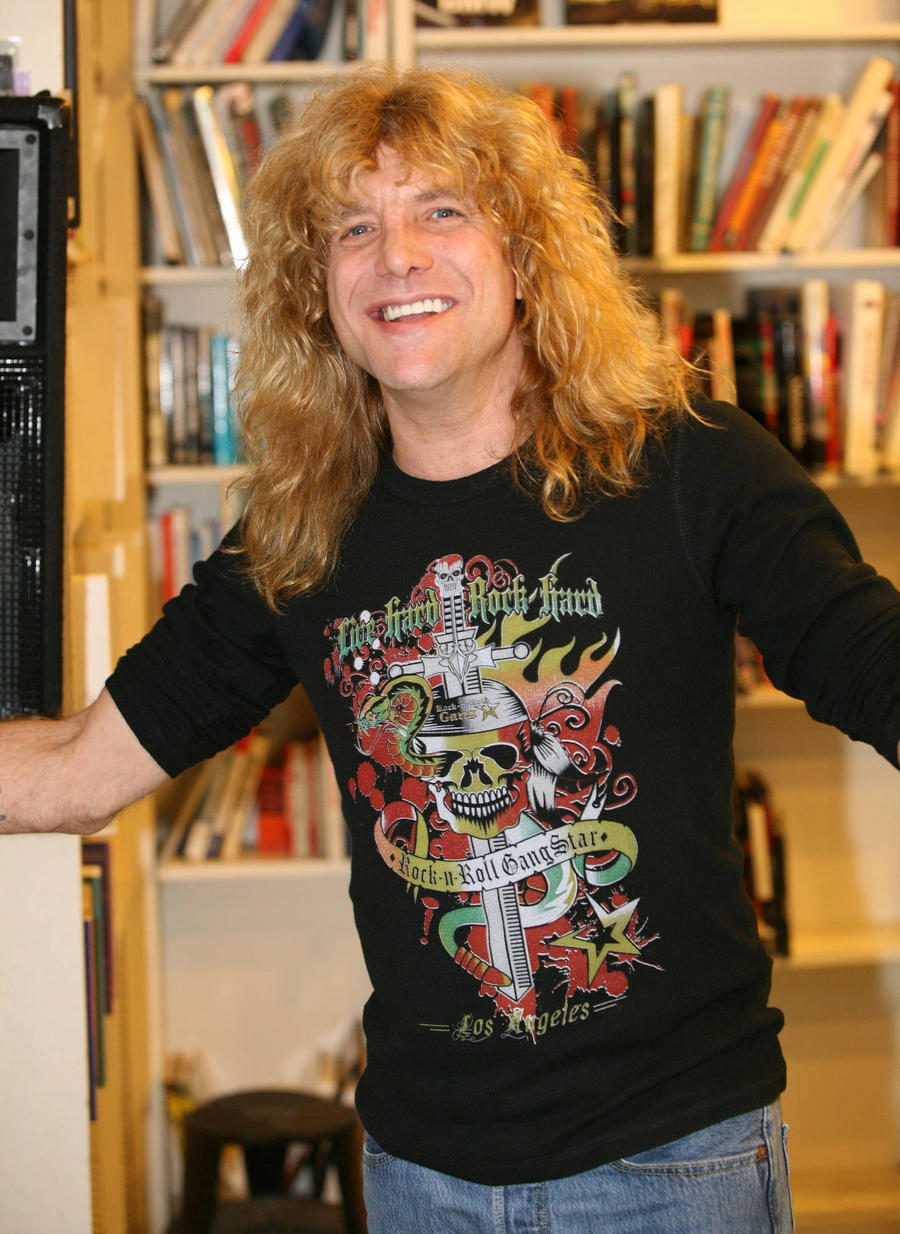 Steven Adler Reunites With Guns N' Roses