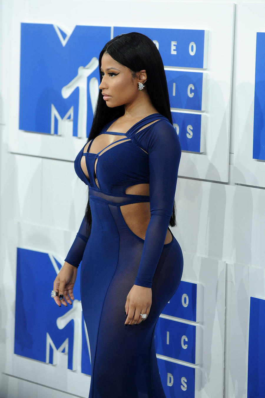 Nicki Minaj Passes Taylor Swift As Billboard Hot Hitmaker