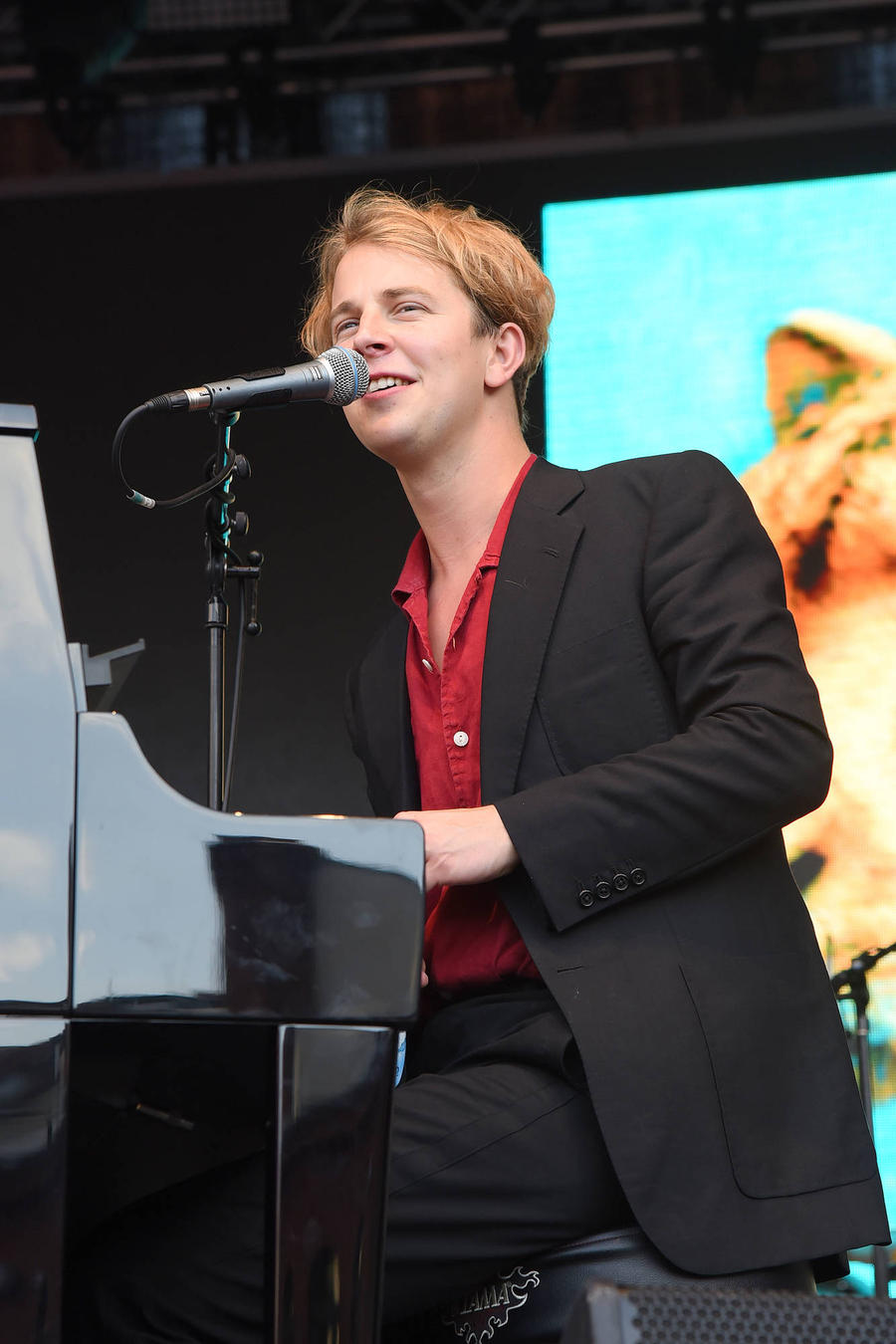 Tom Odell Escaped From Disaster Date Through Toilet Window