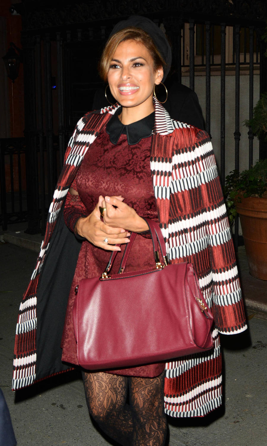 Eva Mendes Gushes About Janelle Monae's Globes Style