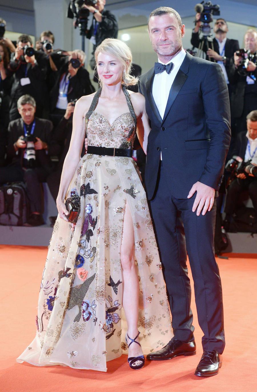 Naomi Watts & Liev Schreiber Split