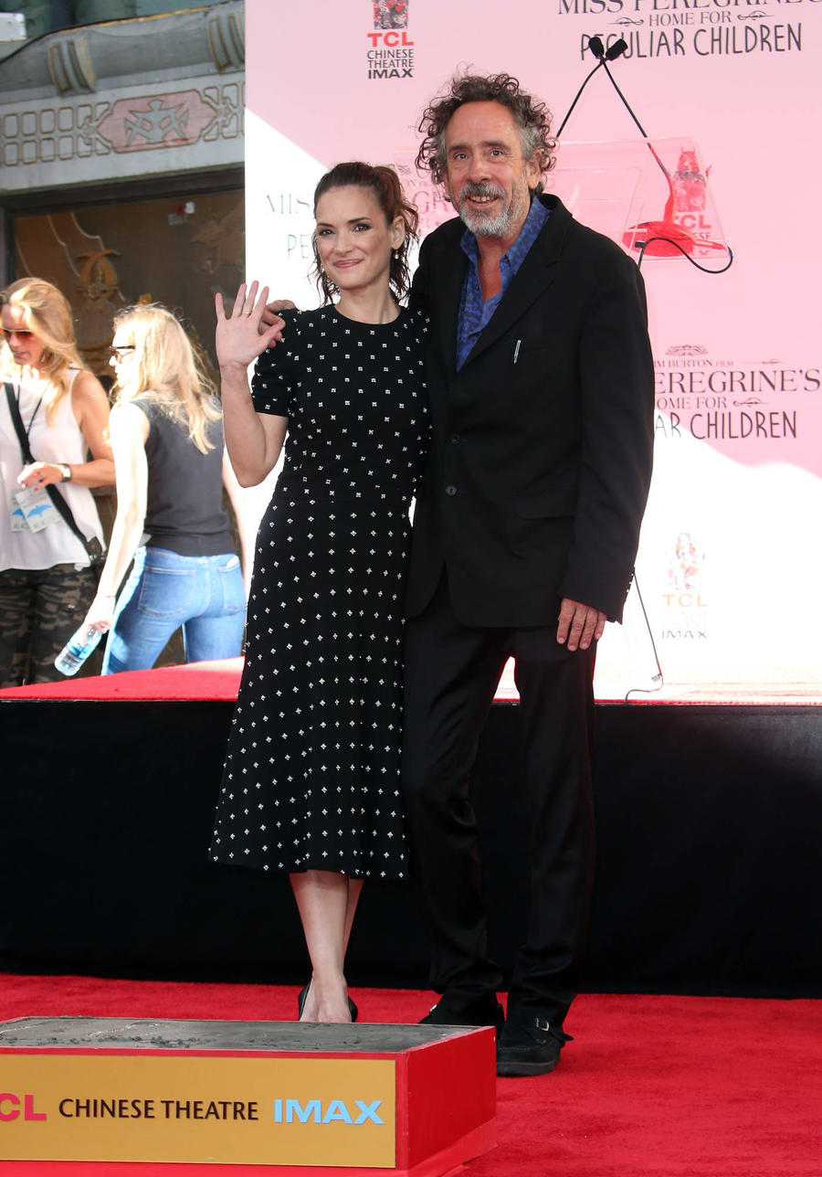 Winona Ryder Pays Tribute To Tim Burton At Handprint Ceremony