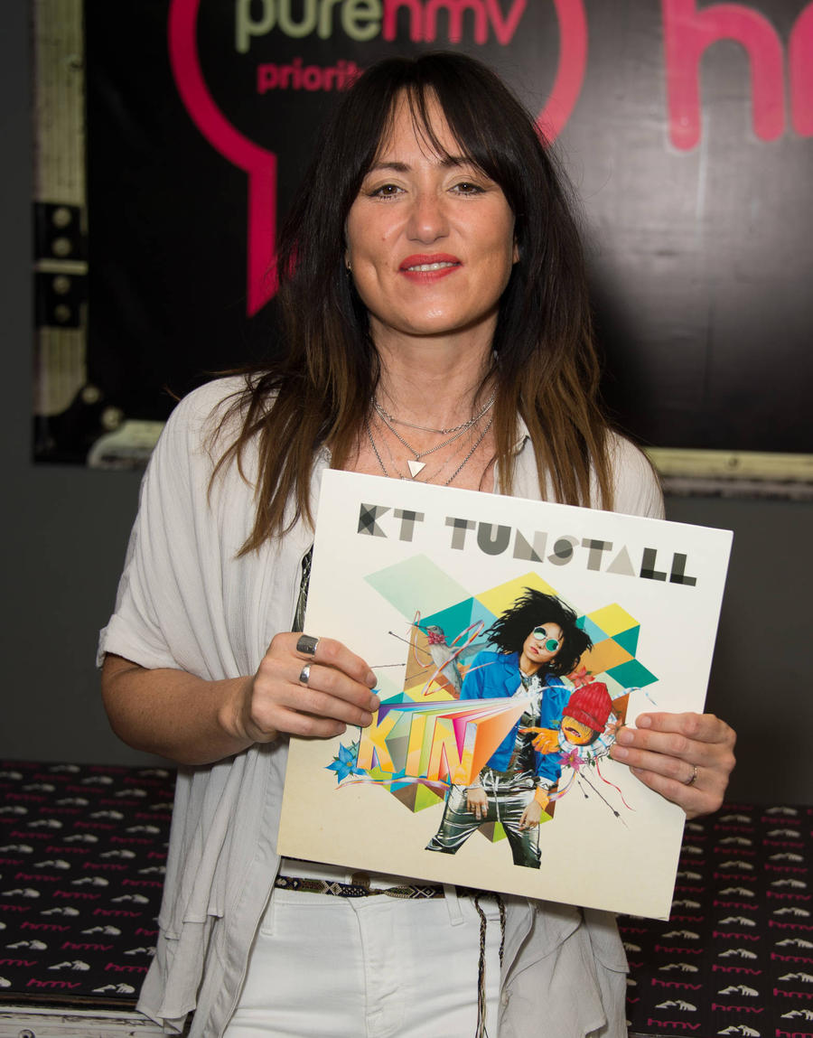 Death Of Kt Tunstall's Father Lead To Her Divorce