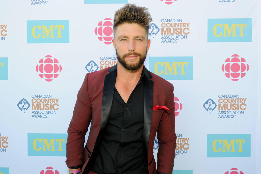 Country Singer Chris Lane Stages Proposal For Fan In For Her Video