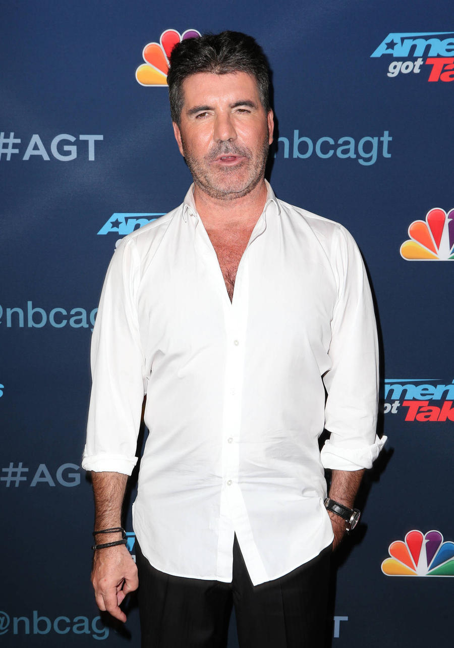 Simon Cowell Staying On As America's Got Talent Judge Until 2019