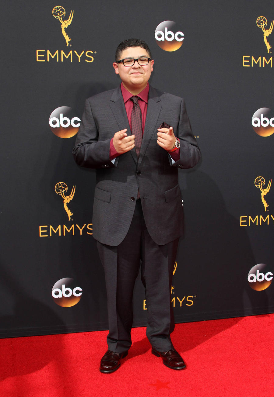 Child Star Rico Rodriguez's Father Dies