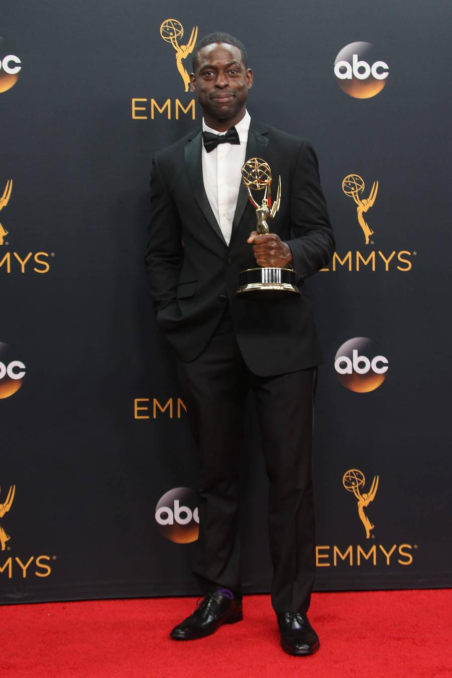 O.j. Simpson Attorney Christopher Darden Glad Sterling K. Brown Won Emmy