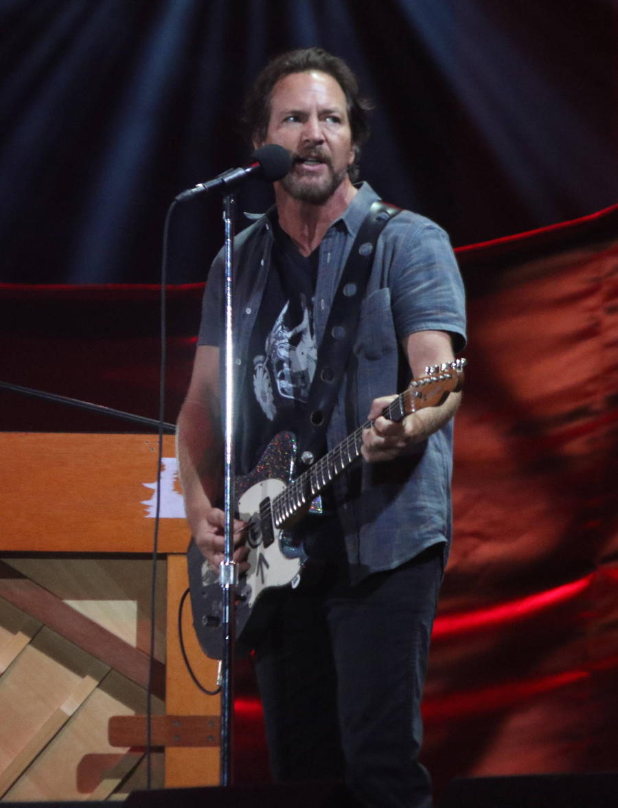 Eddie Vedder To Tour Europe With Once Oscar Winner