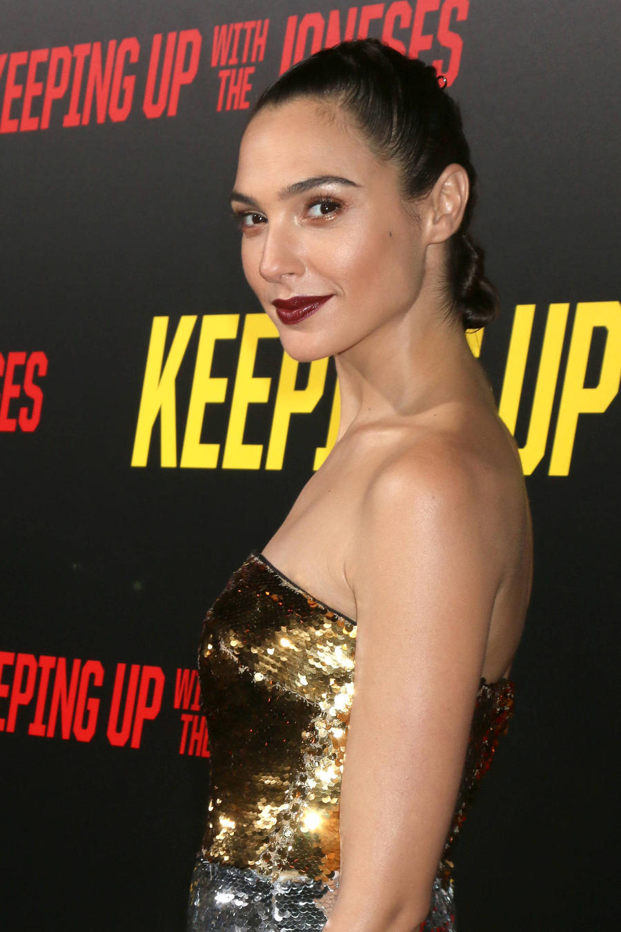 Film Boss Impressed With Gal Gadot As Wonder Woman