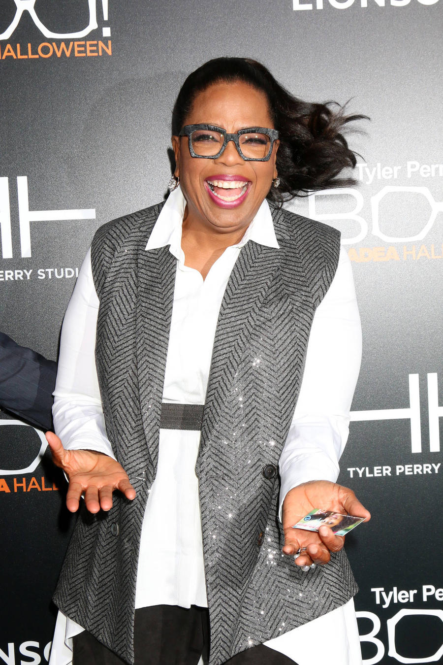 Oprah Winfrey Hands Out Juicers At A Wrinkle In Time Wrap Party