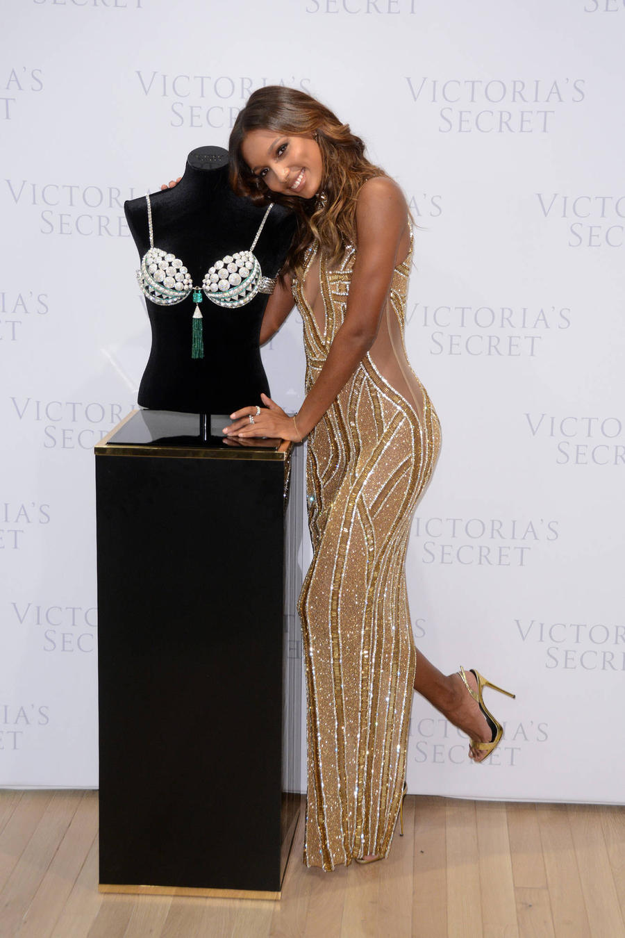 Jasmine Tookes To Wear Fantasy Bra At Victoria's Secret Fashion Show