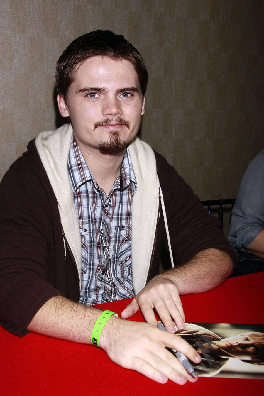 Star Wars Kid Jake Lloyd Seeking Psychiatric Help For Schizophrenia