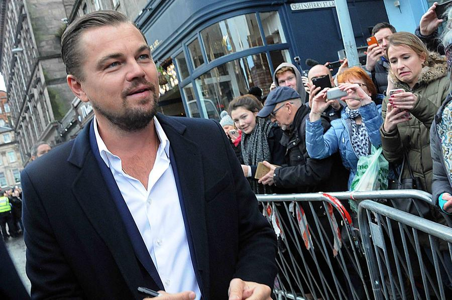 Leonardo Dicaprio Mobbed On Trip To Scottish Restaurant