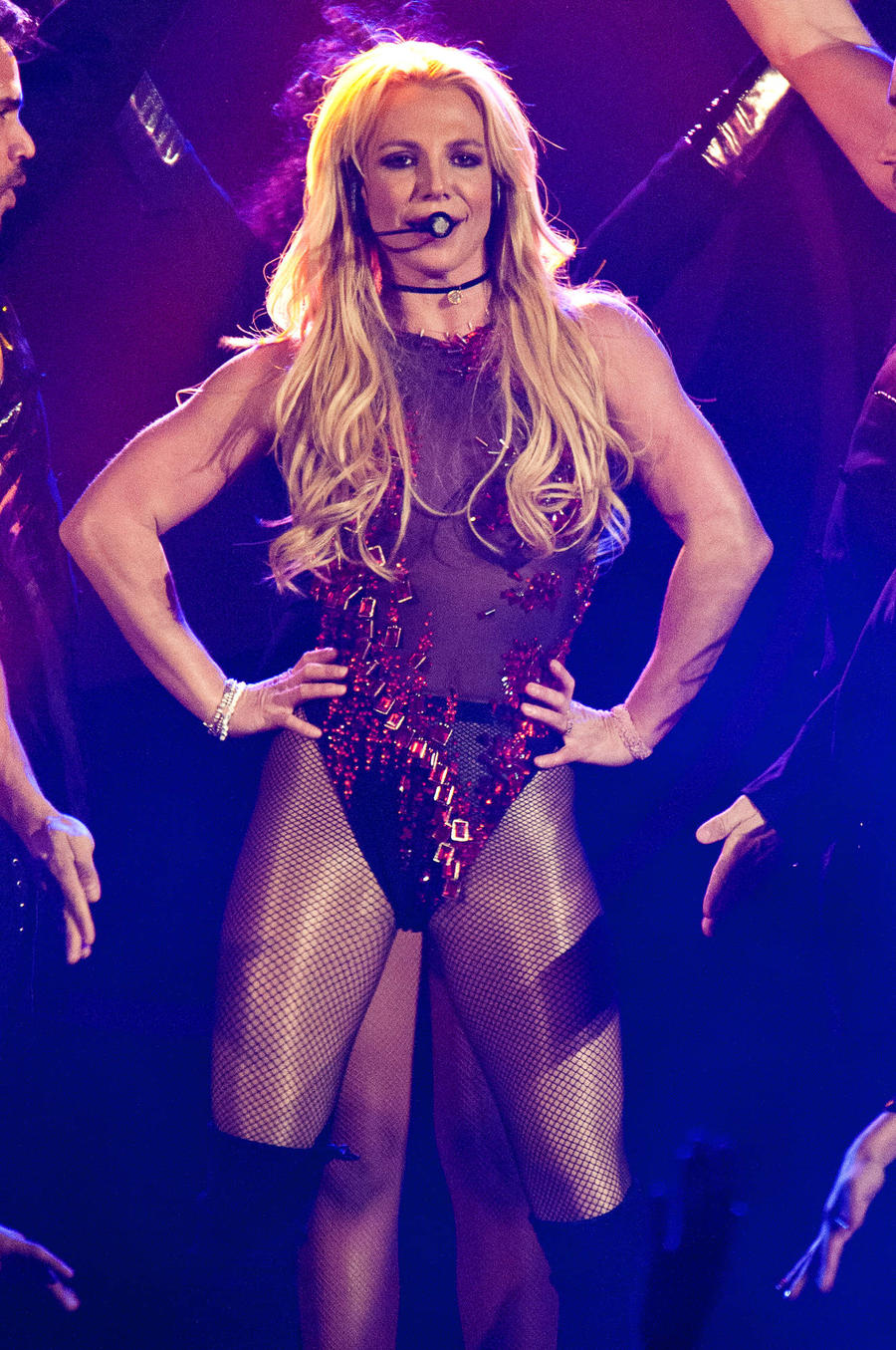 Britney Spears Makes A Boob Of Herself As She Suffers Wardrobe Malfunction