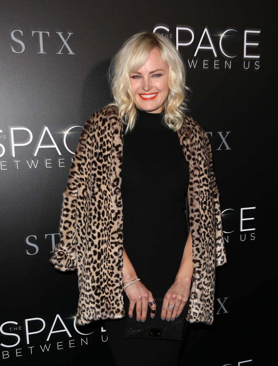 Malin Akerman Teaching Son To Speak Swedish