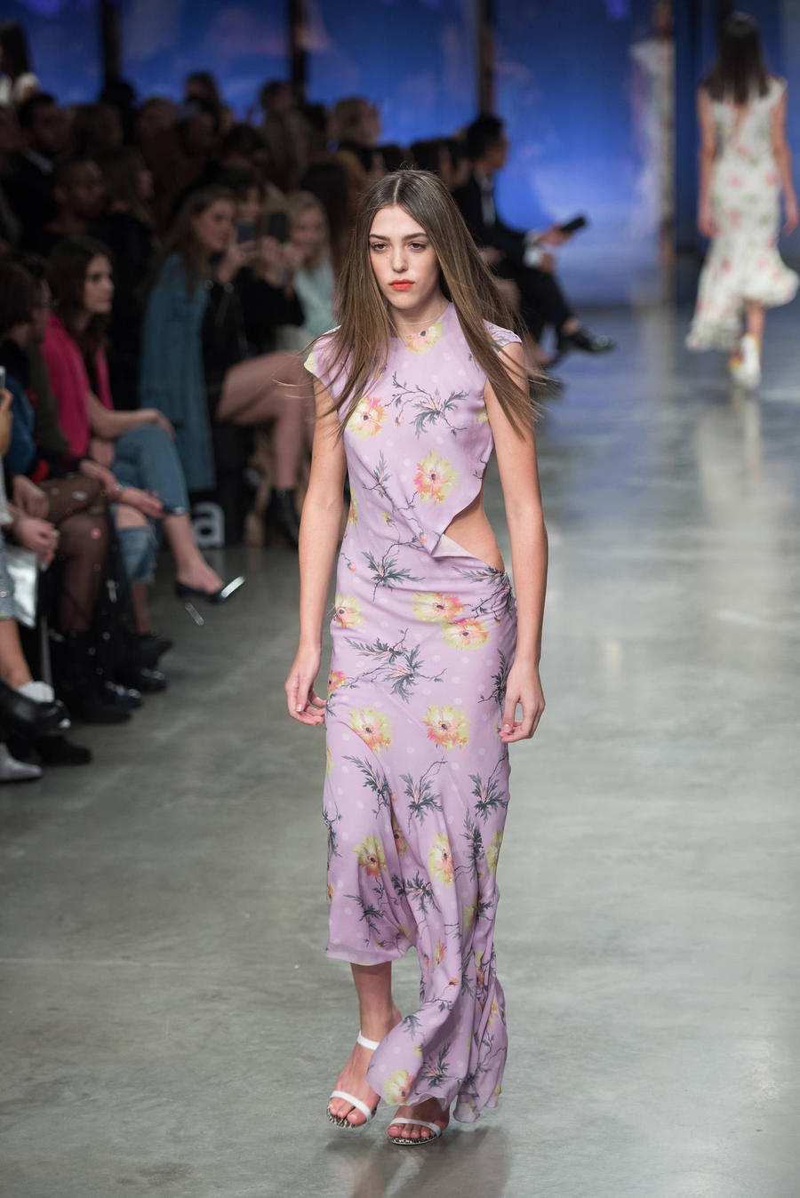 Sylvester Stallone'S Daughter Sistine Makes Runway Debut For Topshop