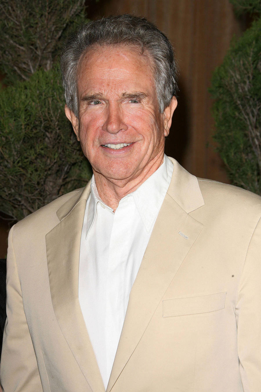 Warren Beatty Eyes Dick Tracy Sequel