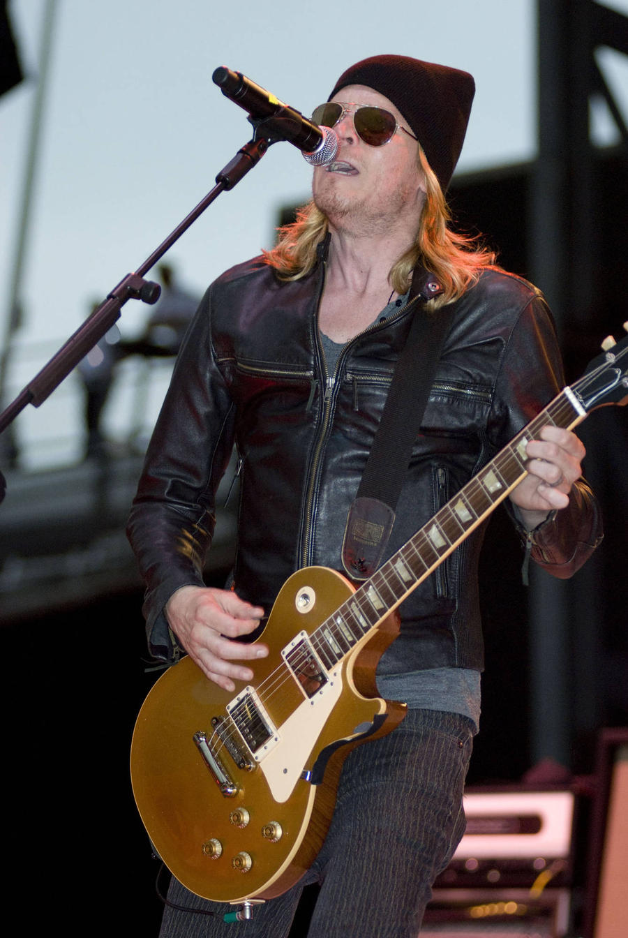 Wes Scantlin Sparks Bomb Scare With Car Stunt