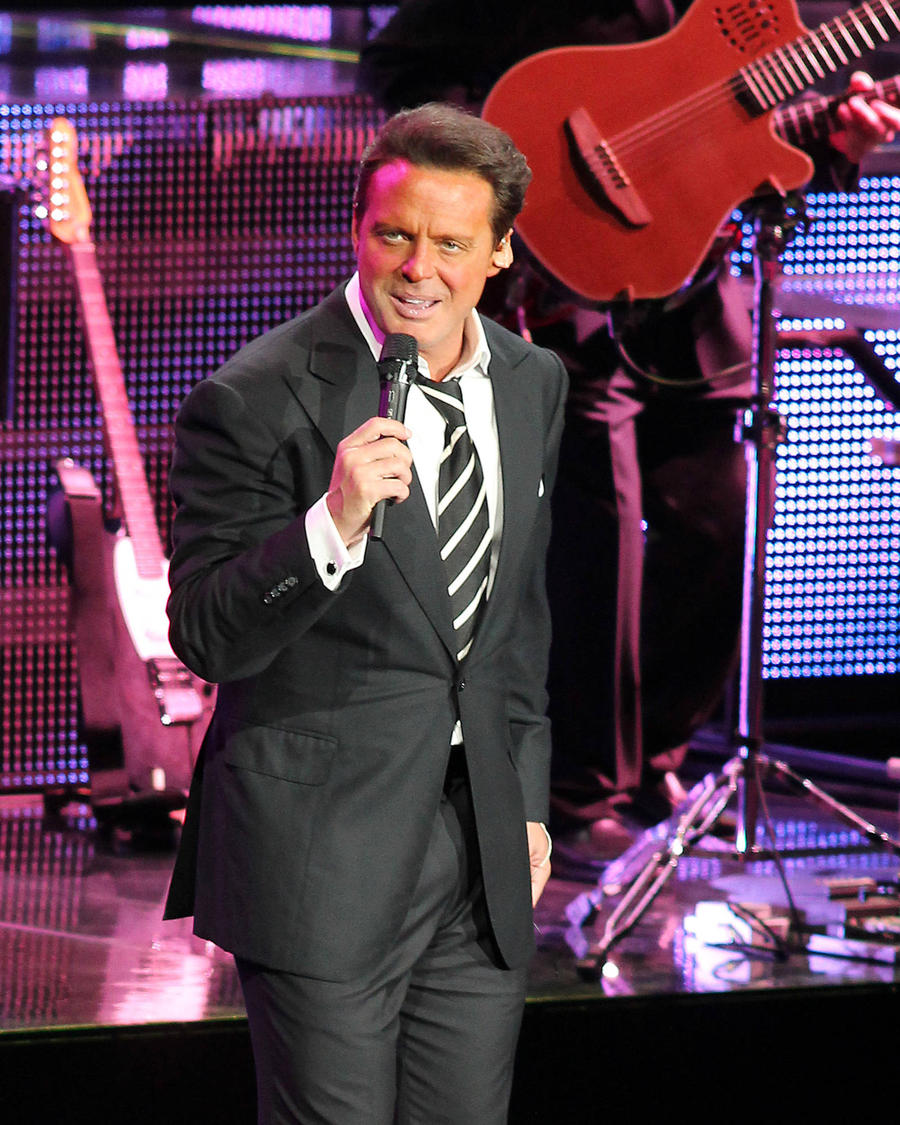 Luis Miguel Sued By Label Bosses Over Outstanding Loan