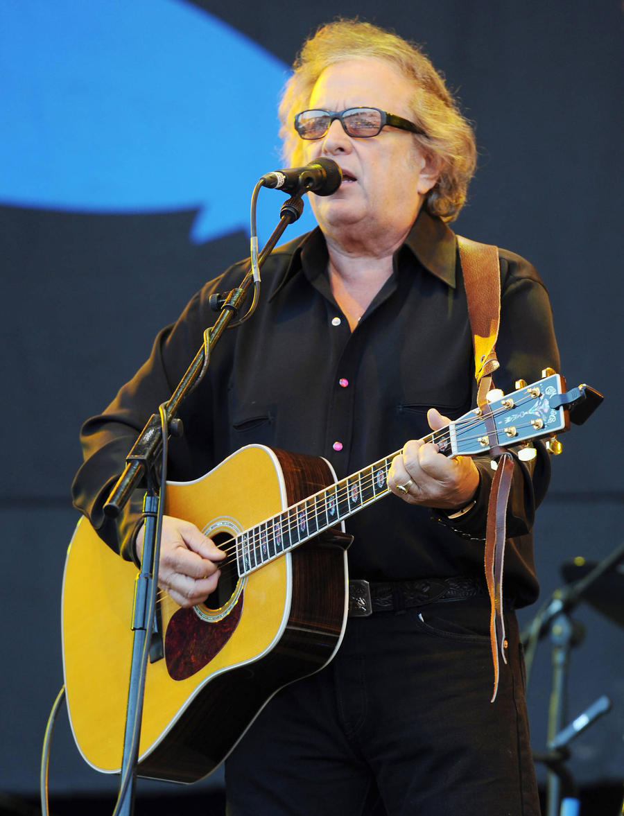 Don Mclean Postpones Tour After Domestic Violence Allegation