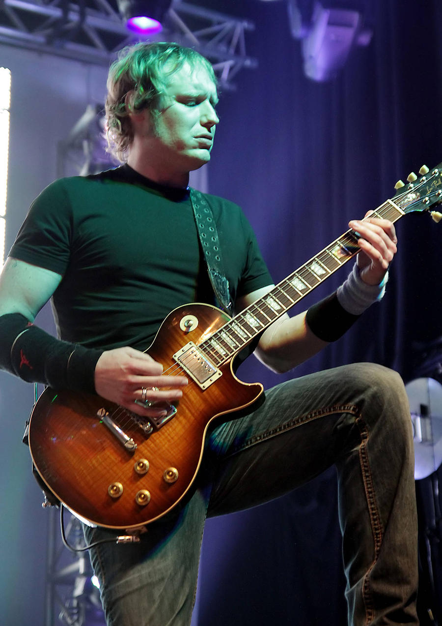 Doctor Arrested Over Death Of 3 Doors Down Guitarist