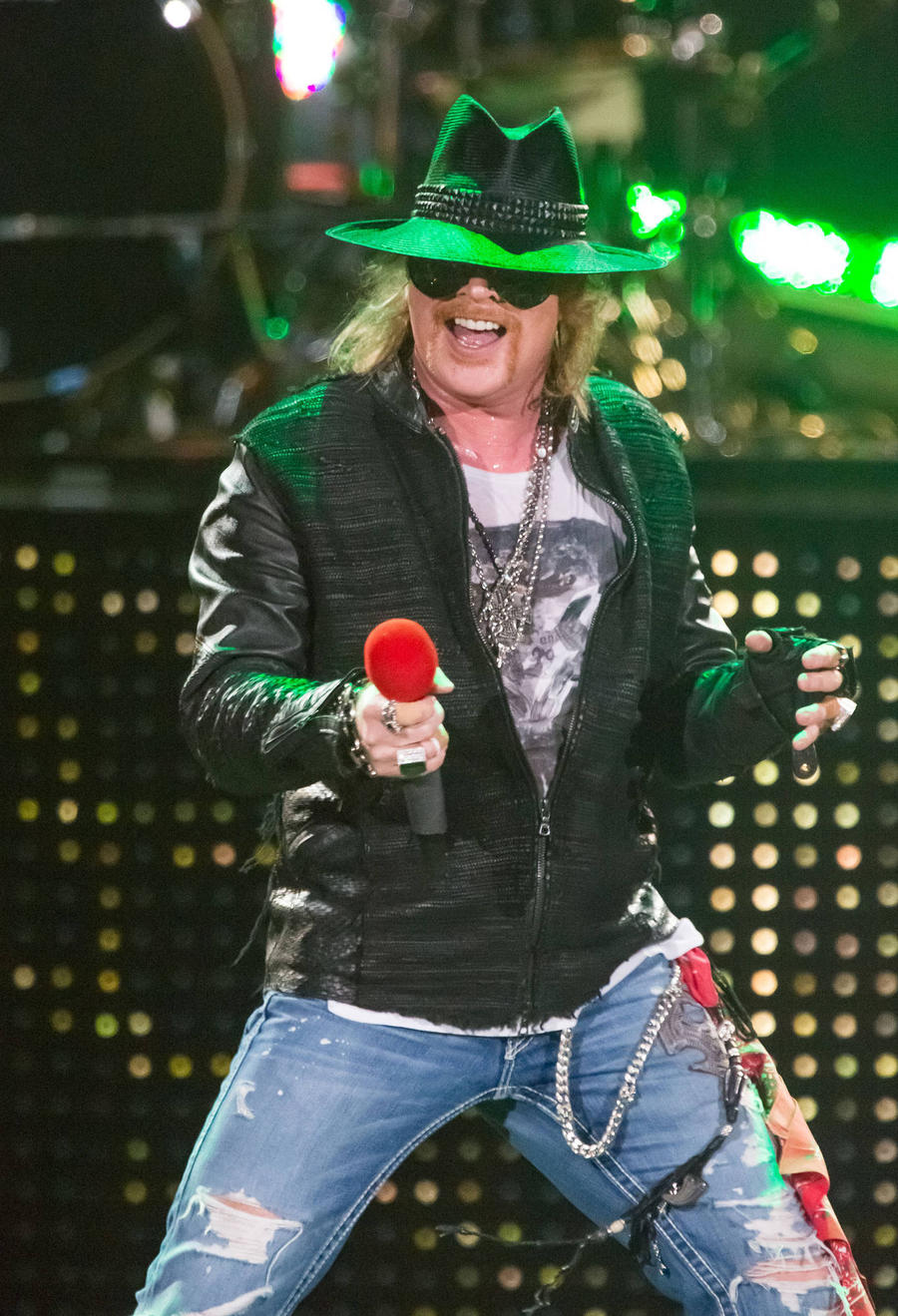 Guns N' Roses Set For Comeback Gig On April Fools Day