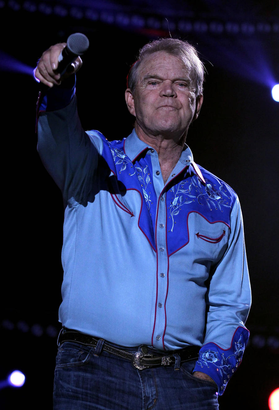 Ailing Glen Campbell Gets New Manager