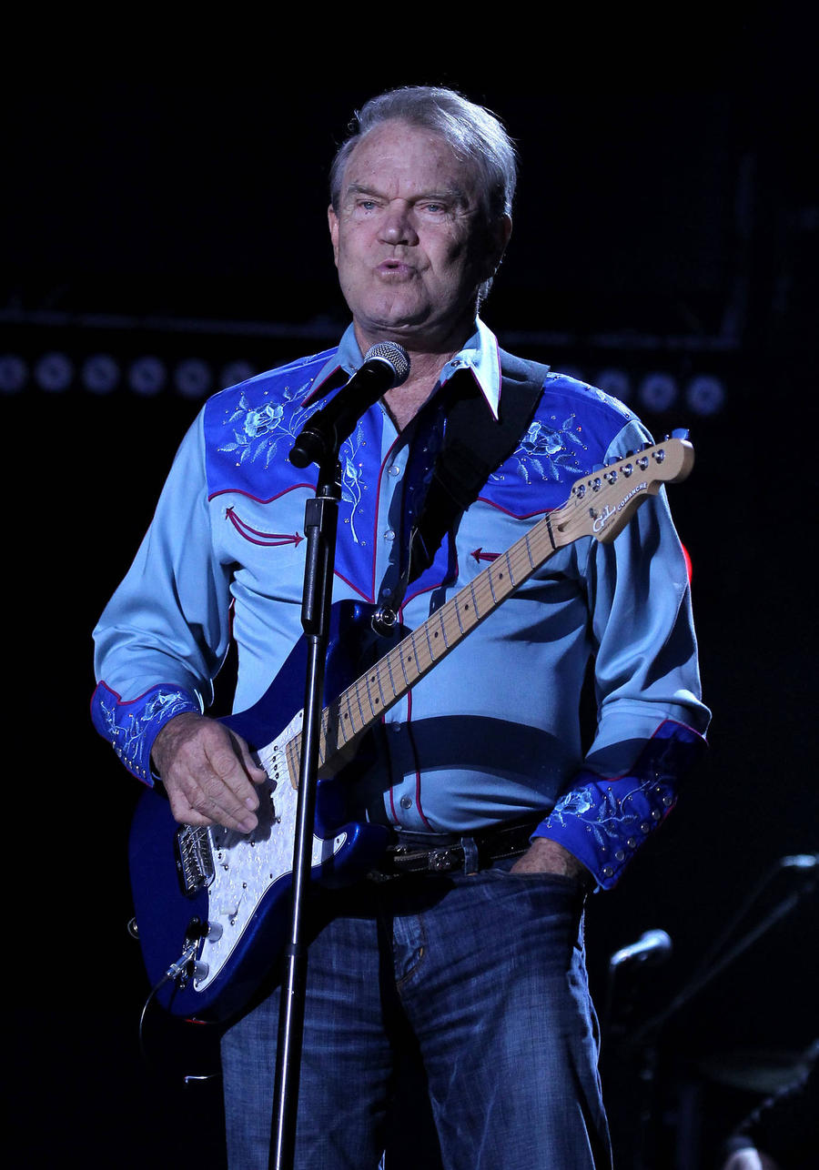Alzheimer's Disease Has Left Glen Campbell Unable To Play Guitar