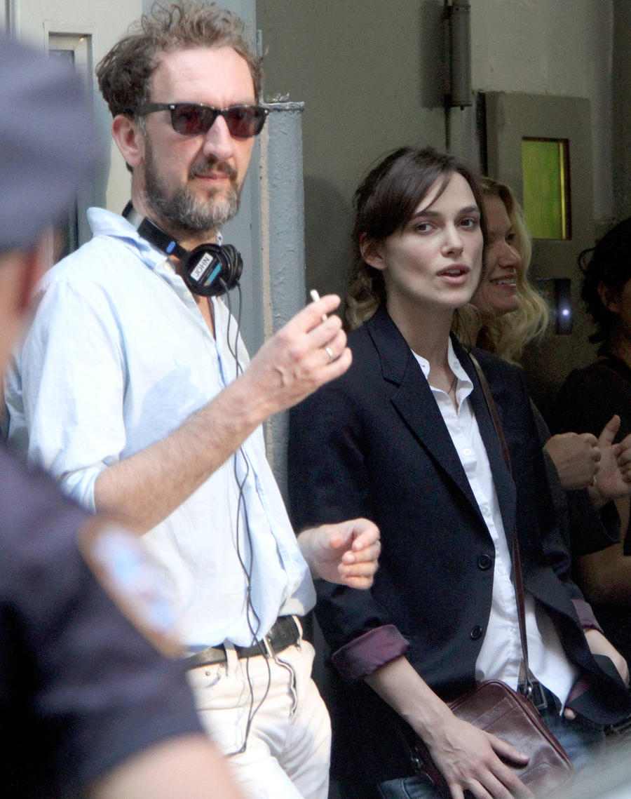 Director John Carney Criticises Keira Knightley's Acting In Begin Again
