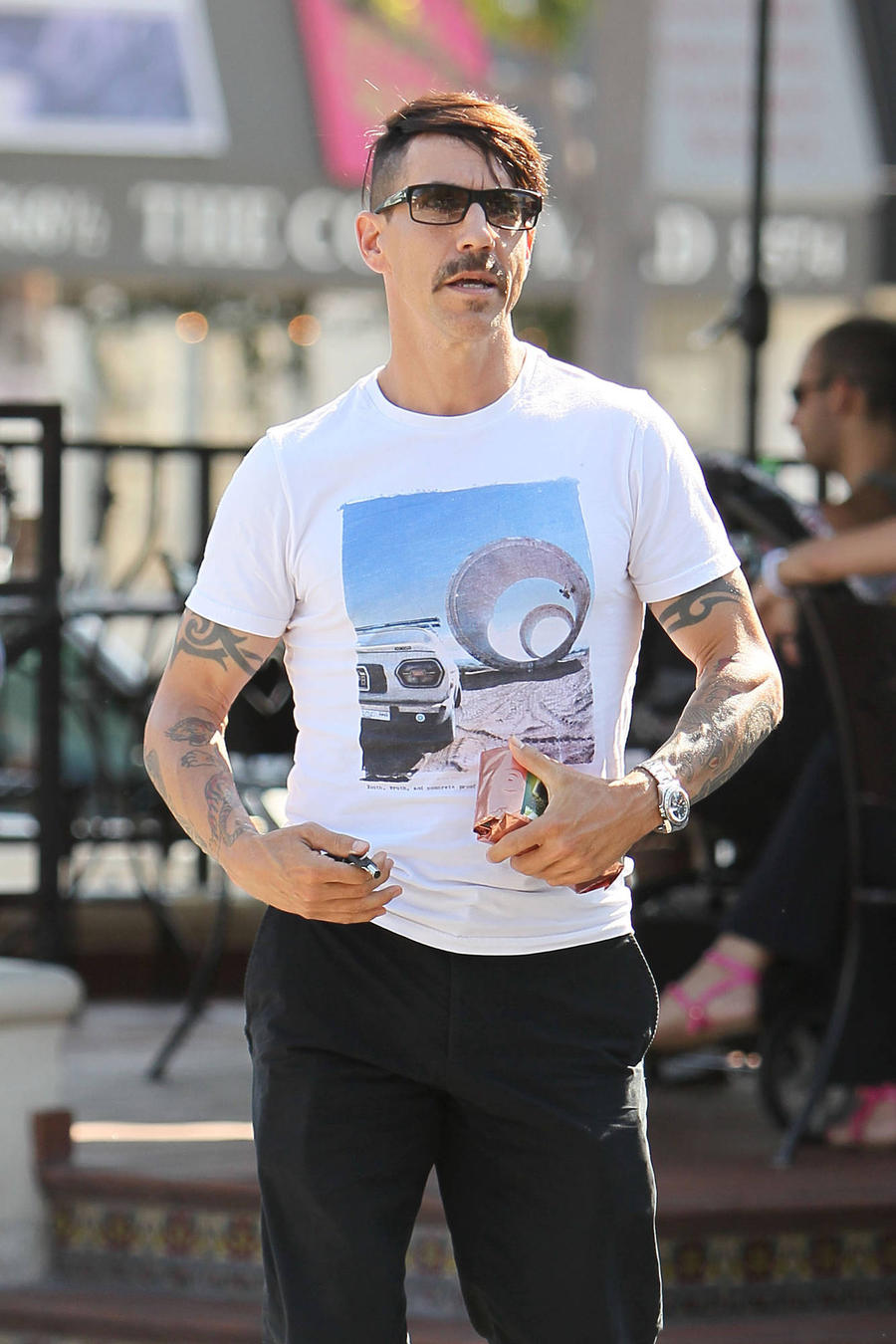 Anthony Kiedis Battling Intestinal Flu