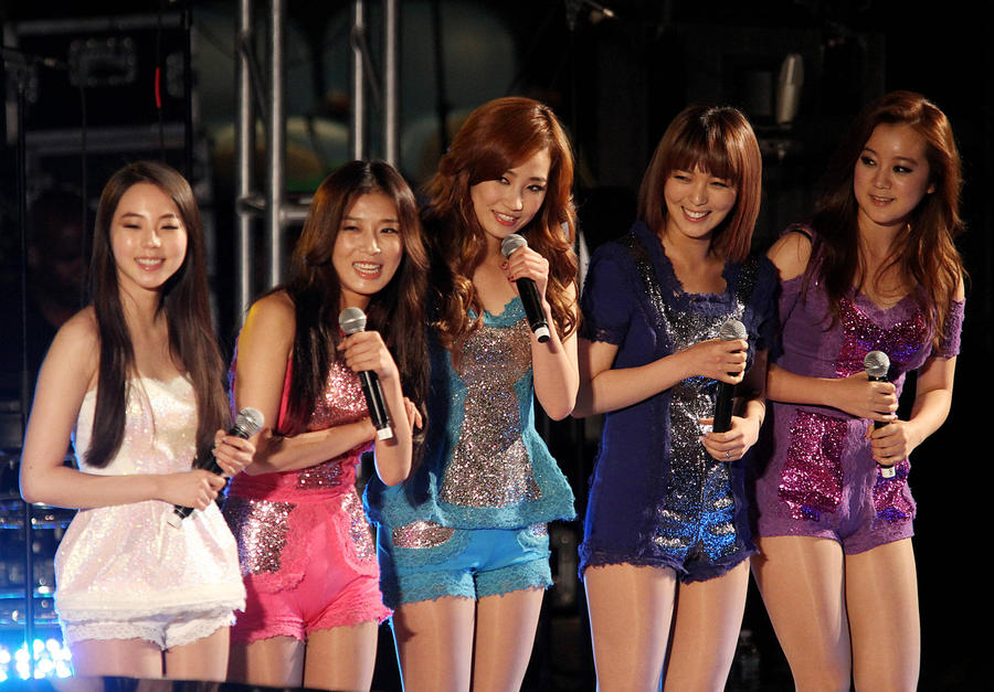 Korean Group Wonder Girls Split