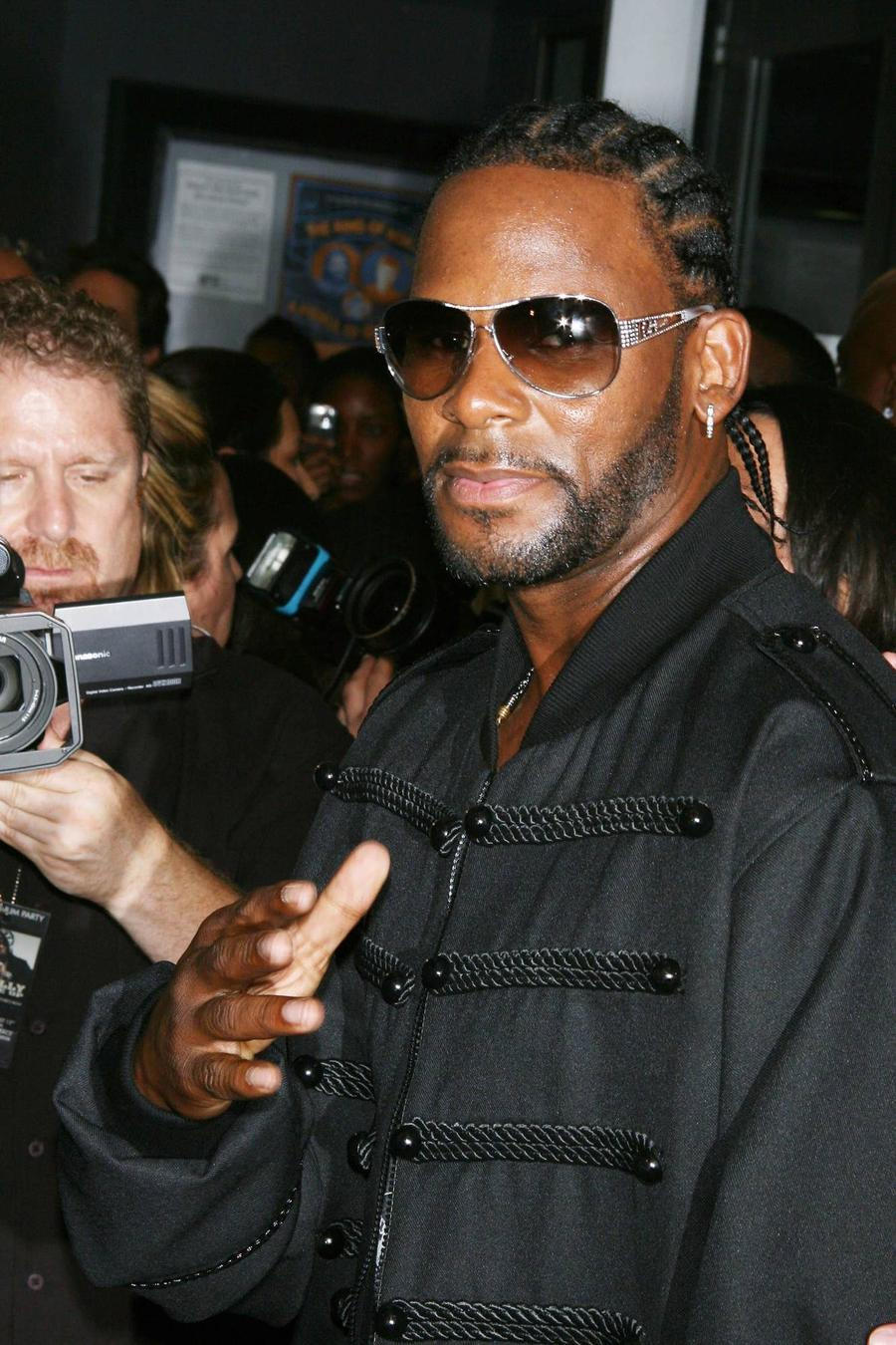 R. Kelly Facing Tax Lien