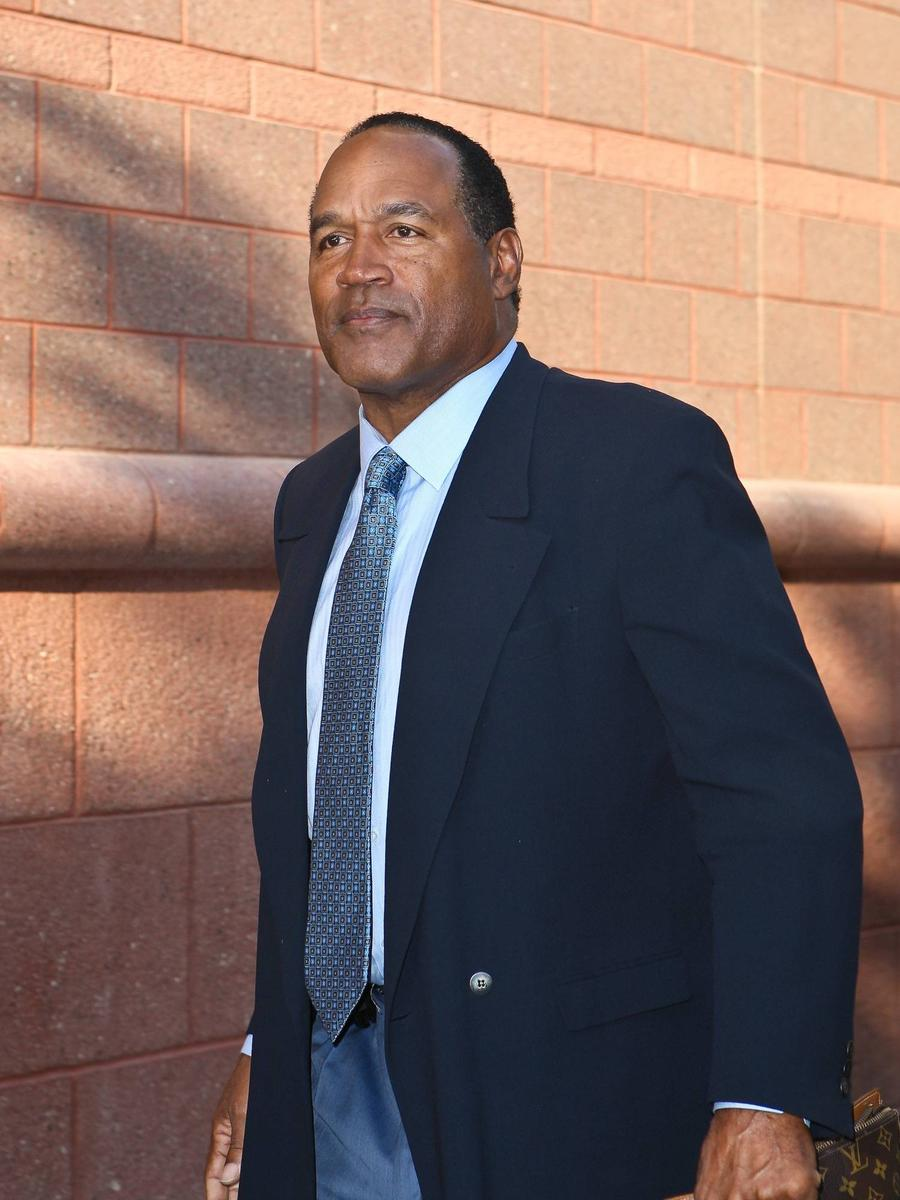 Police Studying Knife Reportedly Found Buried At O.j. Simpson's Home