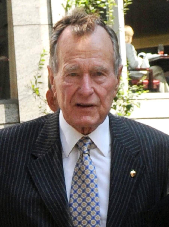 George H. W. Bush Back Home After Hospitalisation