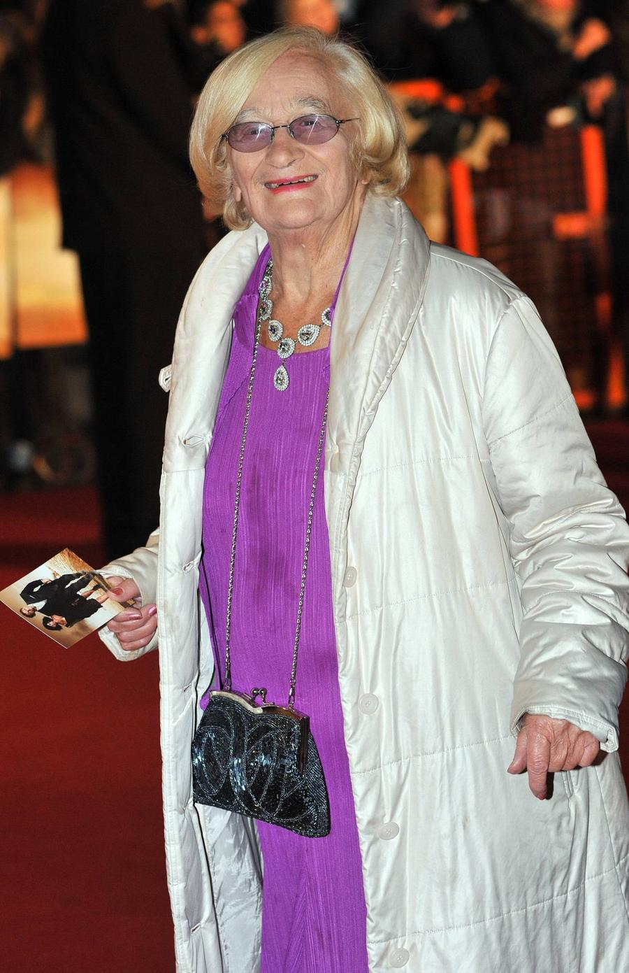 Twitter Tributes Pour In For Liz Smith