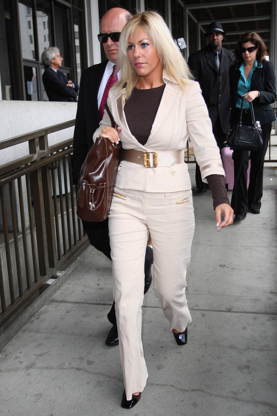 Phil Spector's Wife's Lawyer Disputes Spending Claims