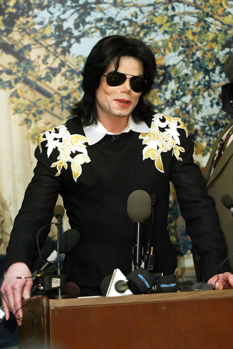 Michael Jackson's Lawyers Accuse Wade Robson Of Withholding Evidence