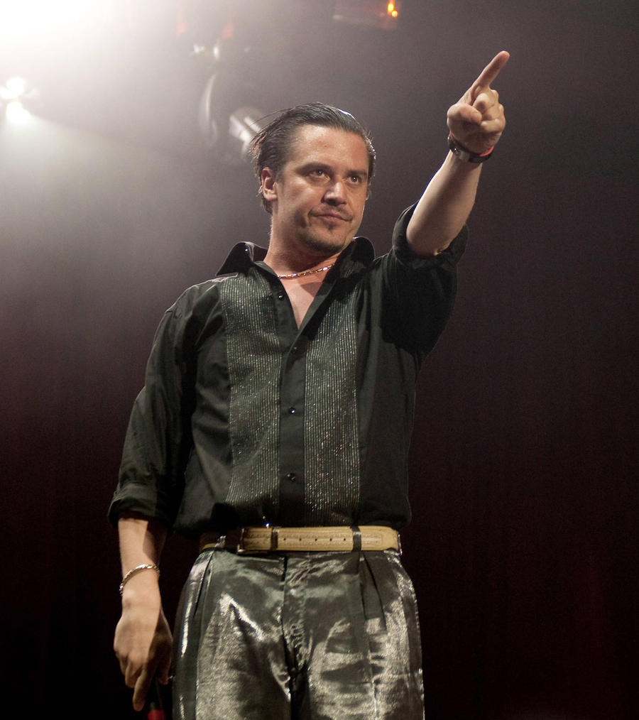 Mike Patton Joins Ex-slayer Star's Angry Supergroup