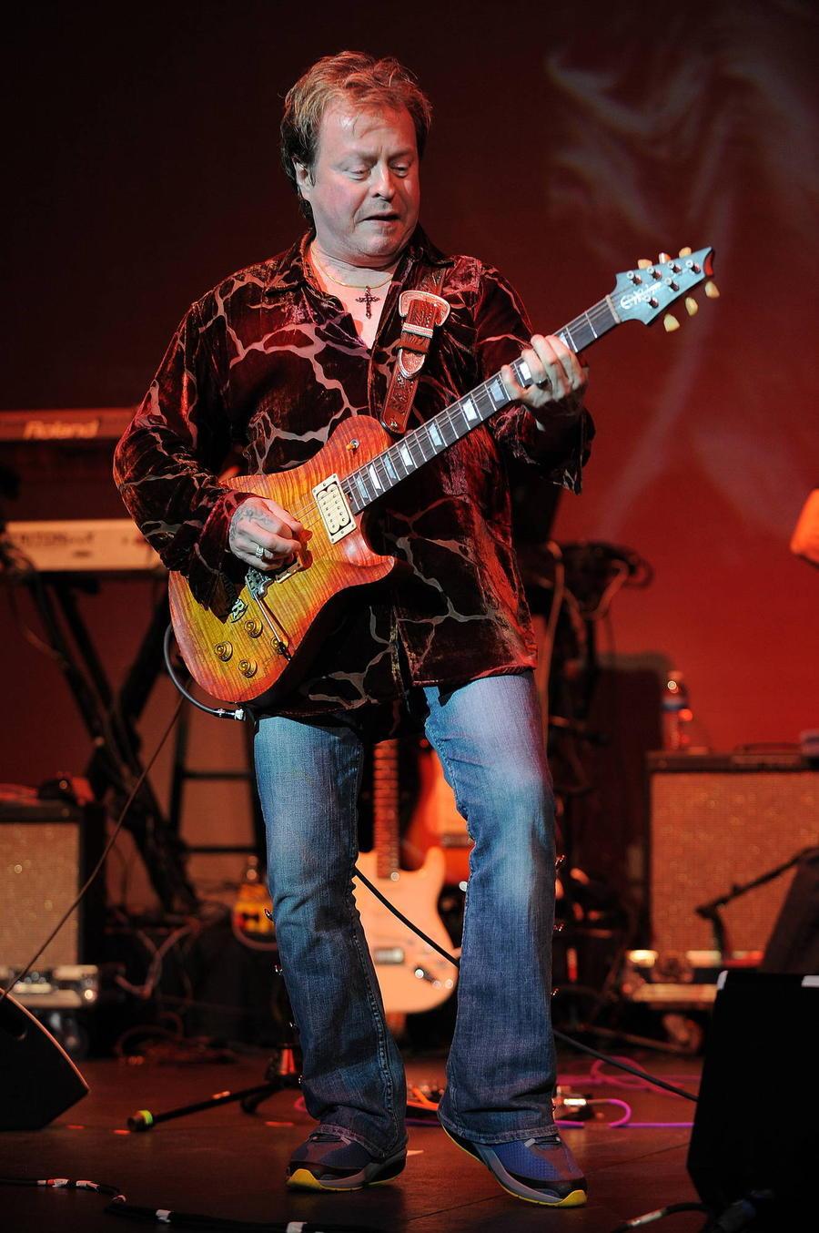 Guitarist Rick Derringer In Trouble For Carrying Loaded Gun On Flight