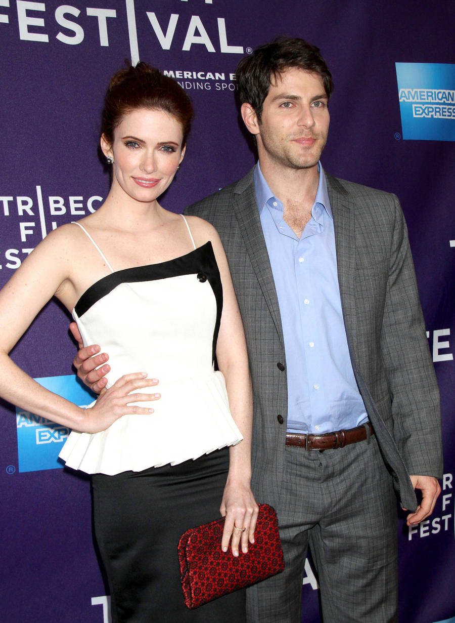 Grimm Stars David Giuntoli And Bitsie Tulloch Engaged