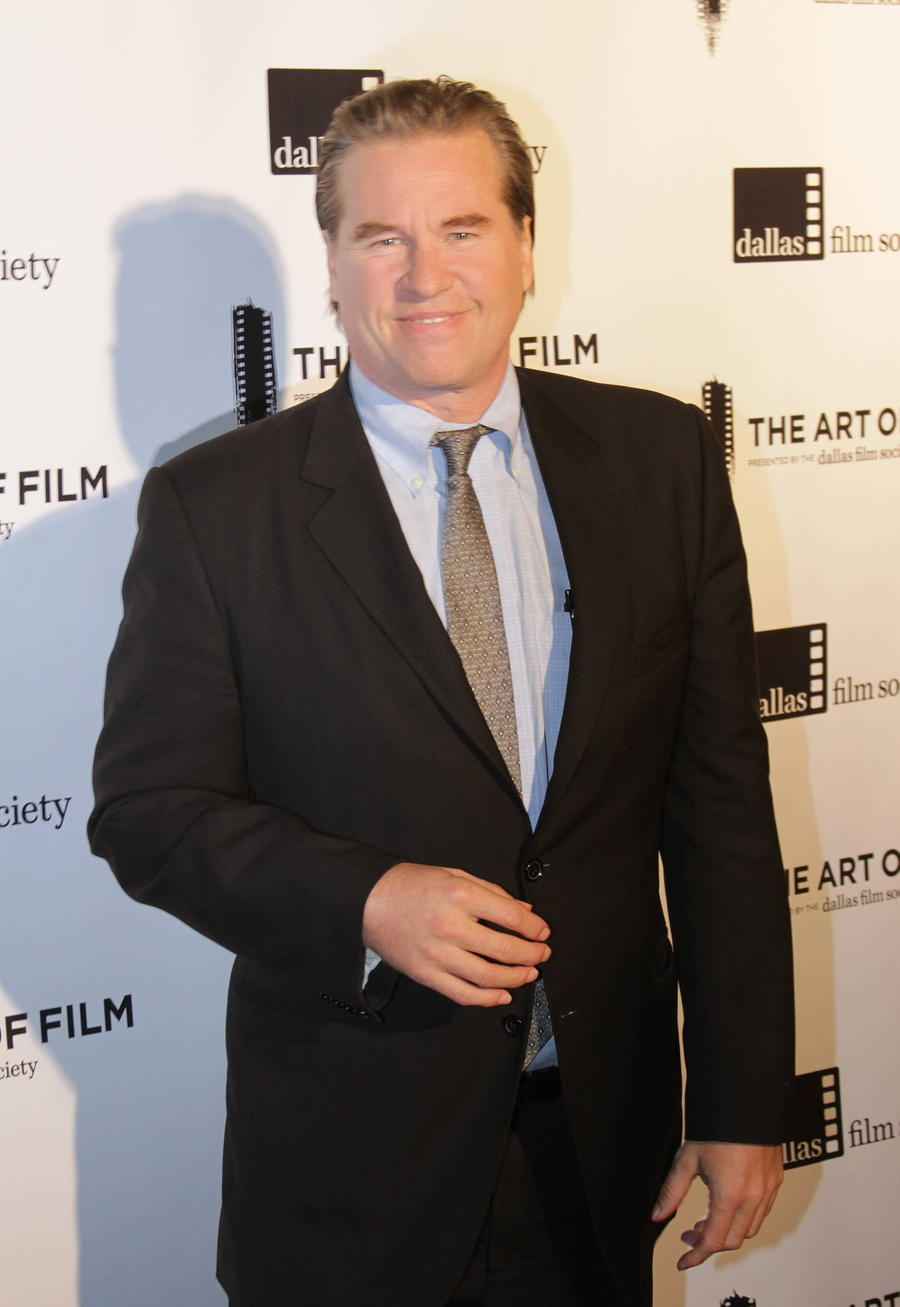 Val Kilmer Drools Through Speech After Dismissing Cancer Fears