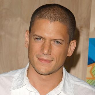 Celebrities tweet support for Wentworth Miller